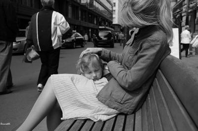 Прикрепленное изображение: Woman_in_the_city_1.JPG