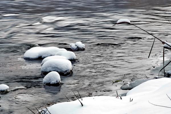 Прикрепленное изображение: Зимняя вода.jpg