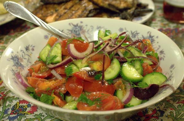 Прикрепленное изображение: Миска с салатиком.jpg