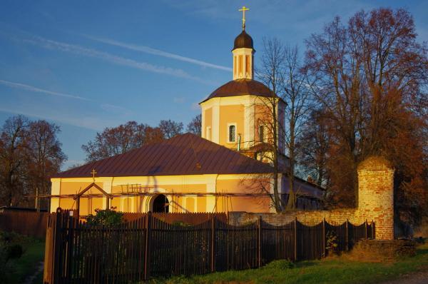 Прикрепленное изображение: Церковь на закате.jpg