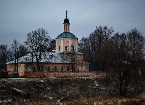 Прикрепленное изображение: Церковь с моста1.jpg