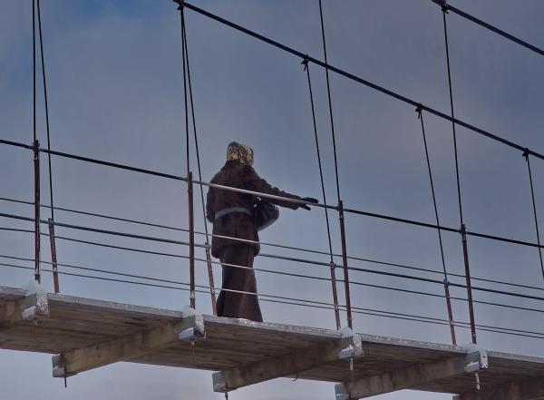 Прикрепленное изображение: По мосточку.jpg