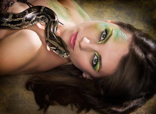 Прикрепленное изображение: змея-на-пента.jpg