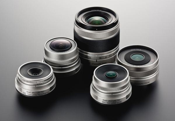 Прикрепленное изображение: PENTAX_Q_lenses.jpg